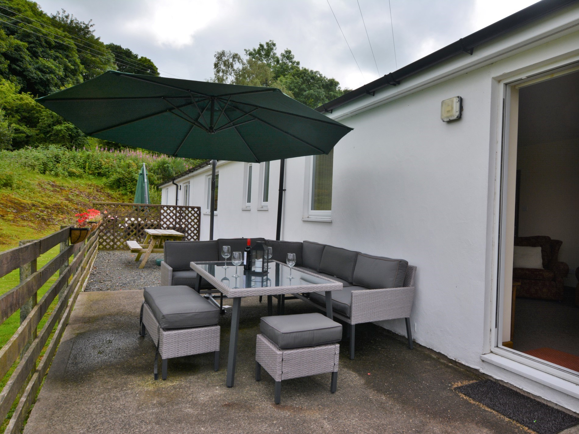 3 Bedroom Cottage in Dumfries and Galloway, Ayrshire and Dumfries & Galloway
