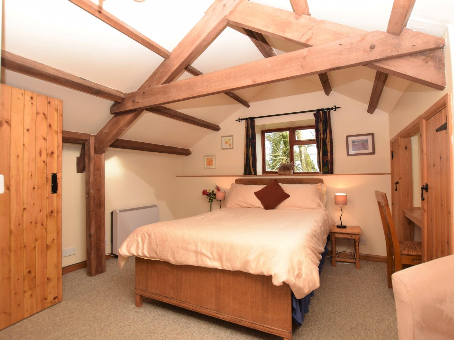 Gorgeous double bedroom with en-suite