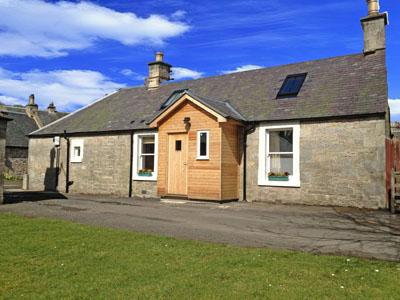 2 Bedroom Cottage in Scottish Borders, Perthshire, Angus and Fife