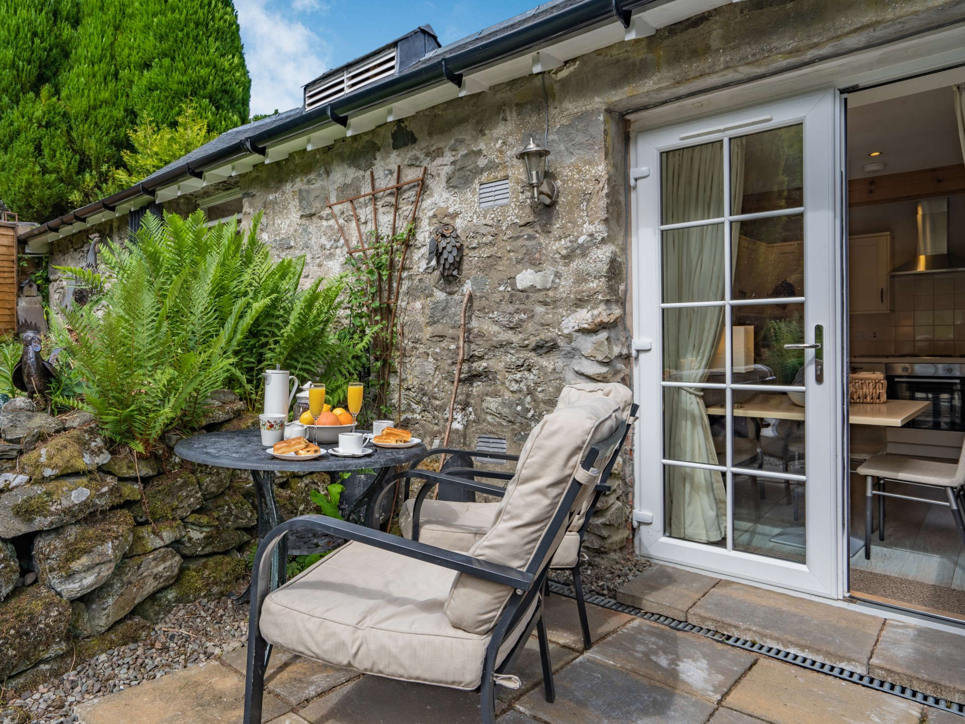 1 Bedroom Cottage in Stirling and Clackmannanshire, Perthshire, Angus and Fife