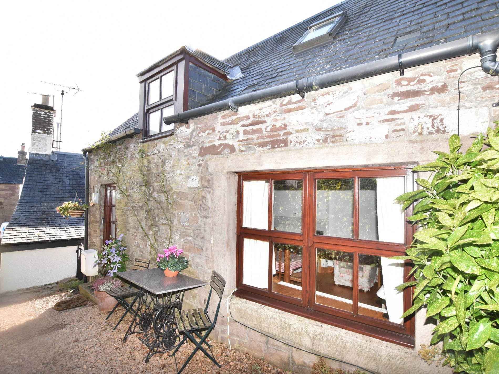 1 Bedroom Cottage in Perth and Kinross, Perthshire, Angus and Fife
