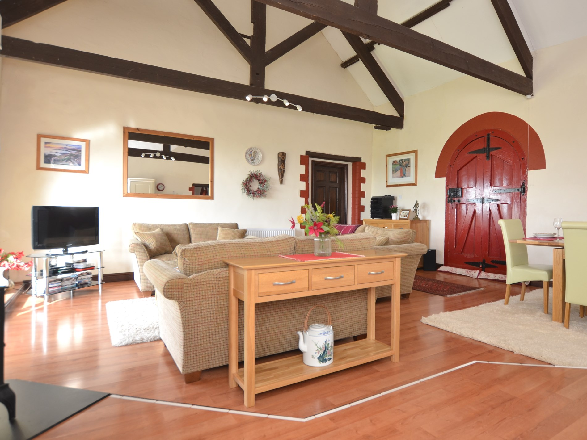 Stunning vaulted ceiling and original beams