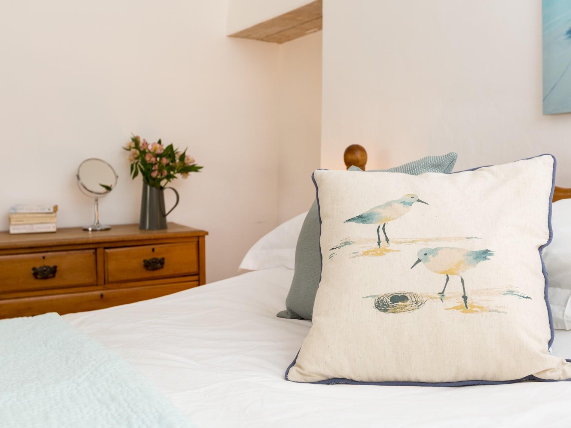 Bedroom with fauna décor