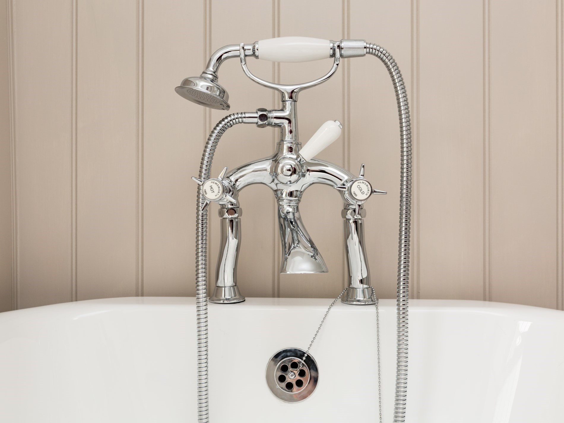 Traditional mixer taps add to the overall effect