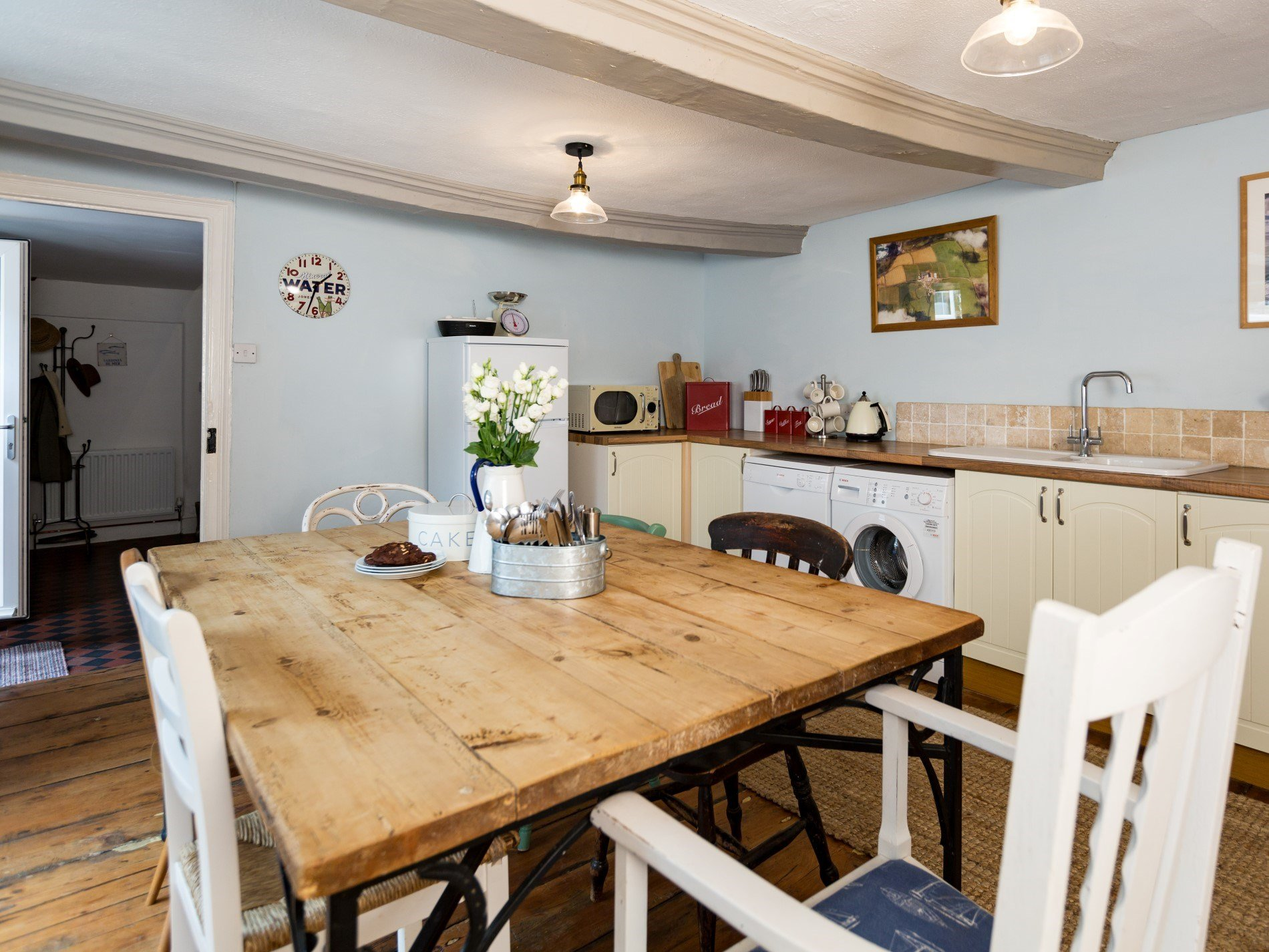 Plenty of room to seat your guests in the kitchen/diner