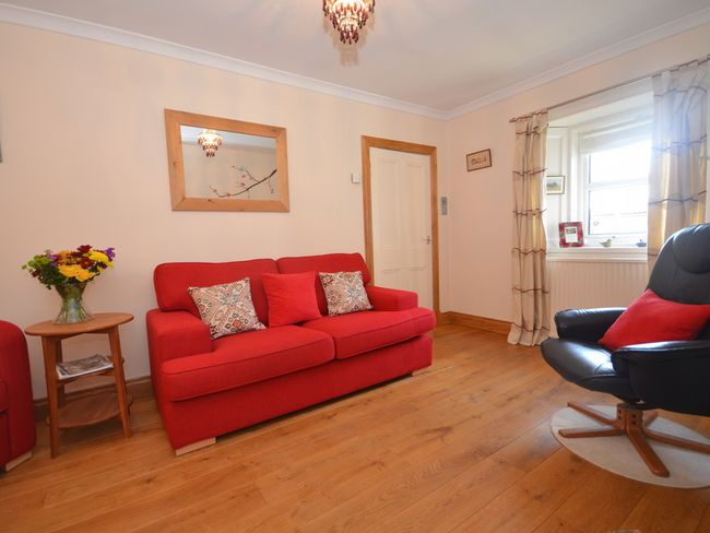2 Bedroom Cottage in Perth and Kinross, Perthshire, Angus and Fife