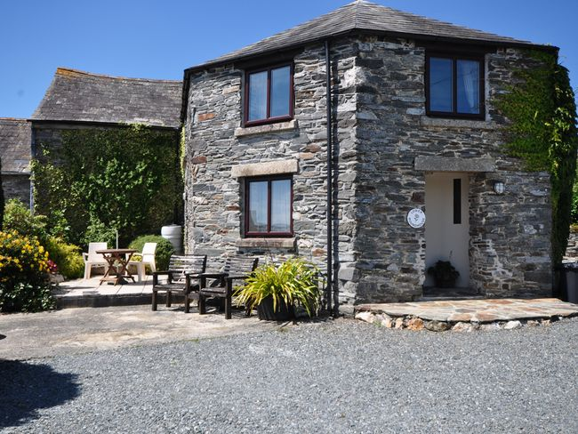 Lower Roundhouse | Lower Roundhouse in Tavistock (2mls SW)
