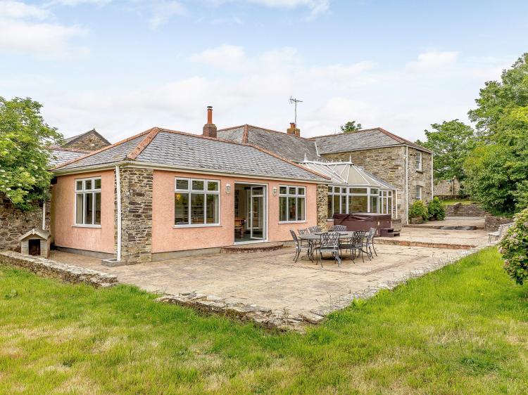 Trelow Farmhouse (TFARM)