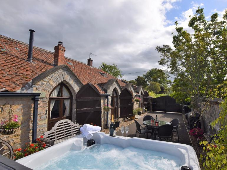 Stay in this wonderful unique property with brand new hot tub