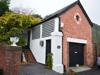 Torquay's Stable Cottage (TORQU)