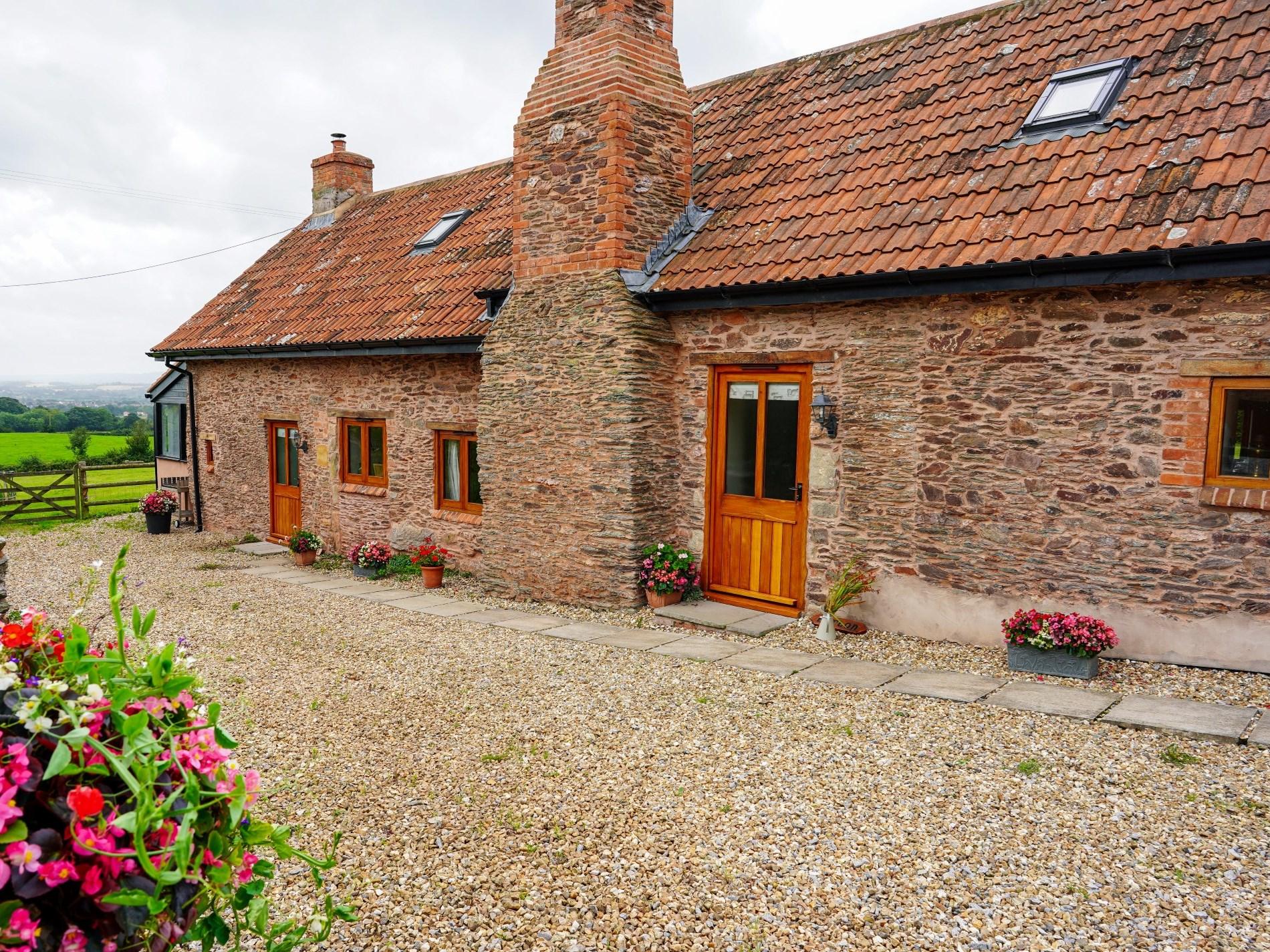 1 Bedroom Cottage in Somerset, Dorset and Somerset