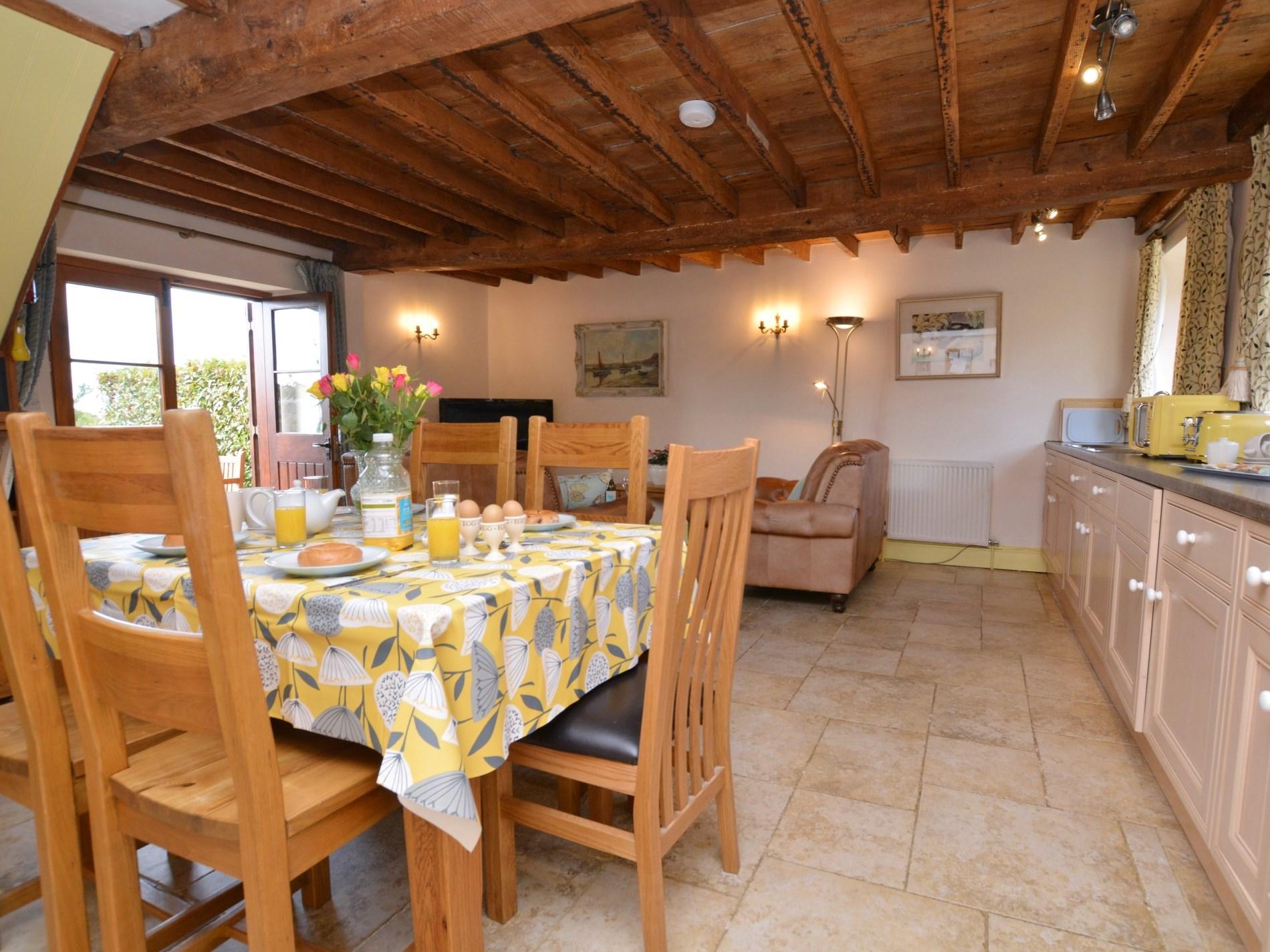 2 Bedroom Cottage in Dorset, Dorset and Somerset