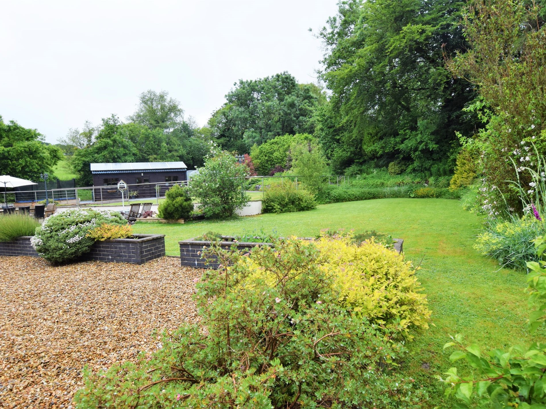 10 Bedroom Bungalow in West Wales, Pembrokeshire and the South
