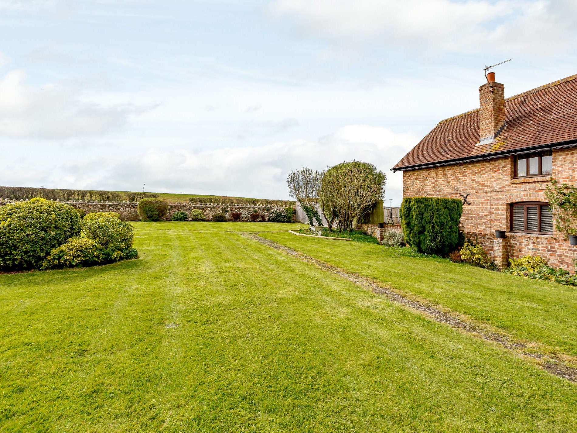 7 Bedroom Cottage in Taunton, Dorset and Somerset