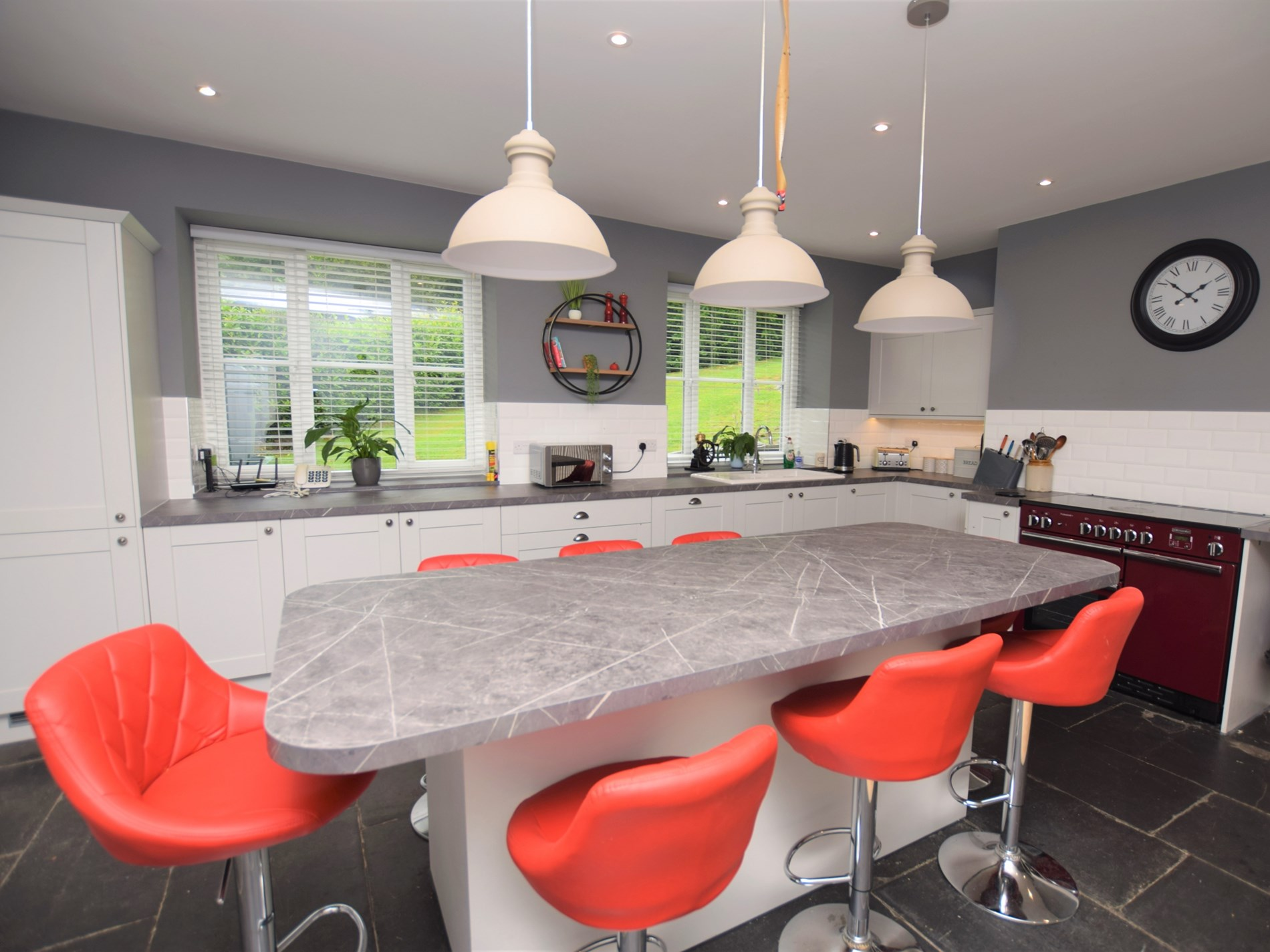 5 Bedroom House in North Wales, Pembrokeshire and the South