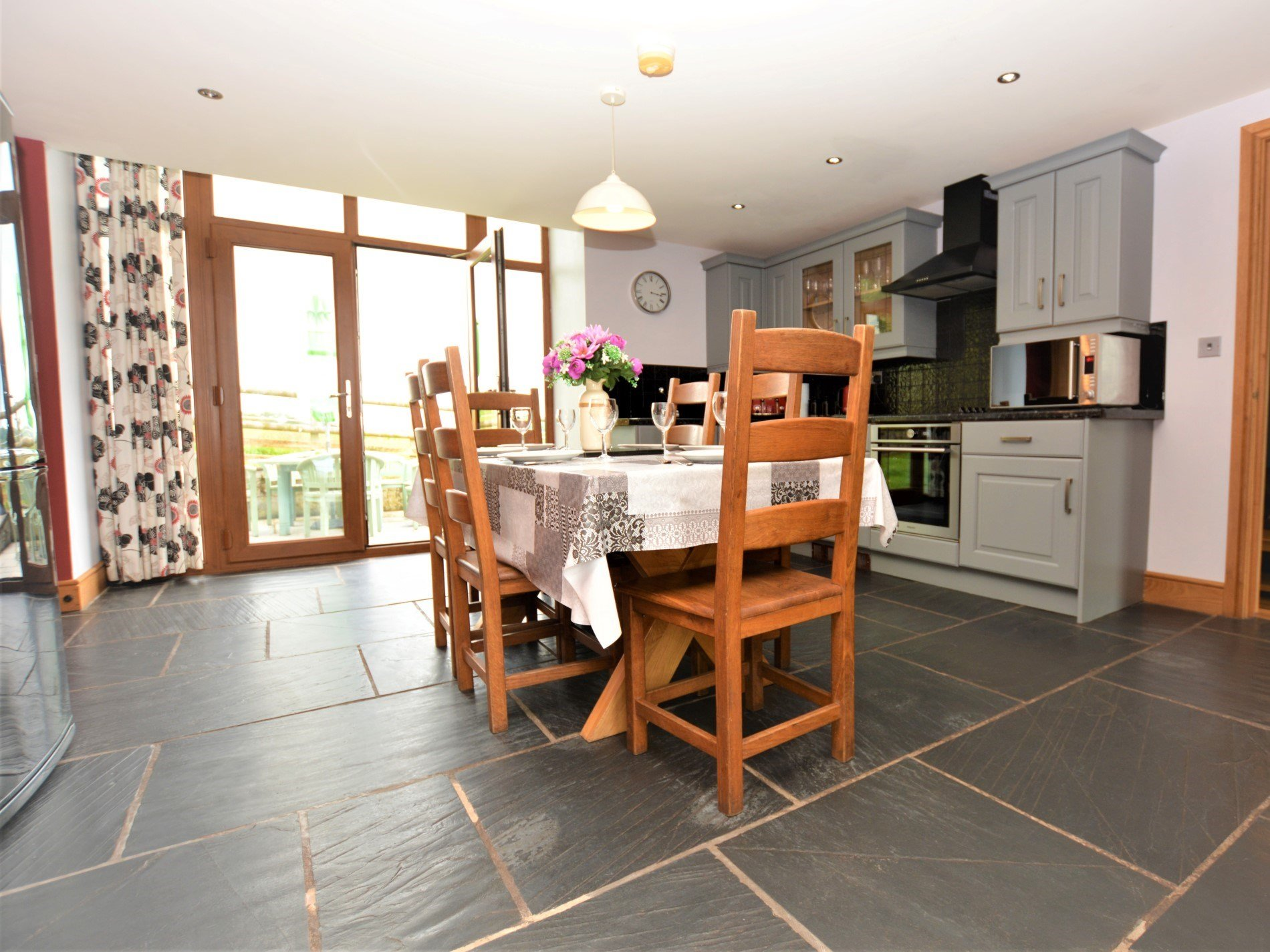 4 Bedroom Barn in West Wales, Pembrokeshire and the South