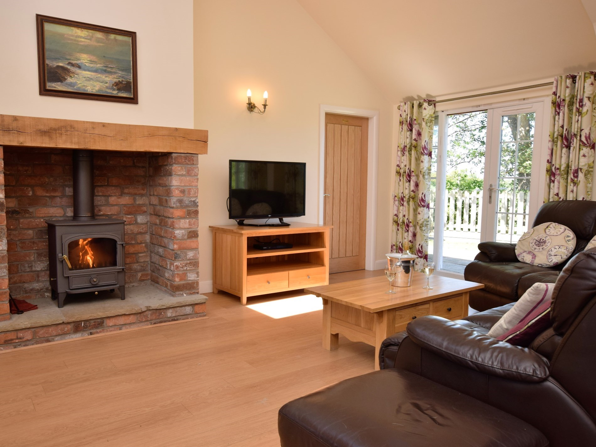 3 Bedroom Cottage in Tarporley, Snowdonia, North Wales and Cheshire