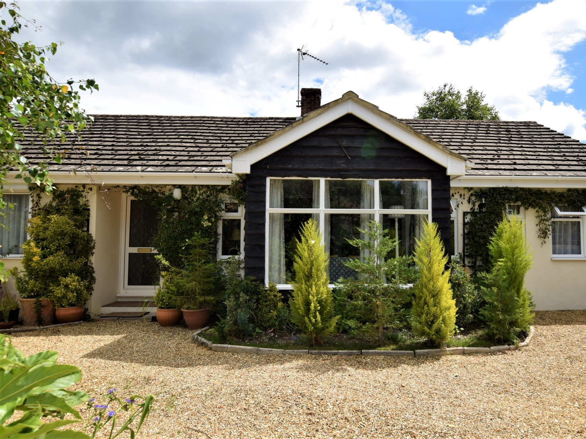 2 Bedroom Cottage in Fordingbridge, South of England