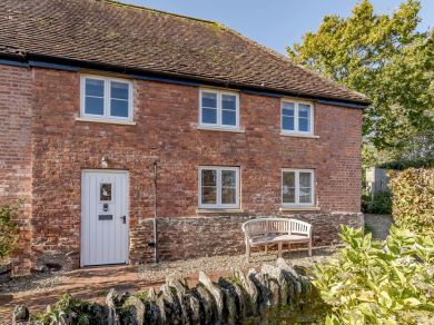Chantry Cottages Pear Tree (CHANP)