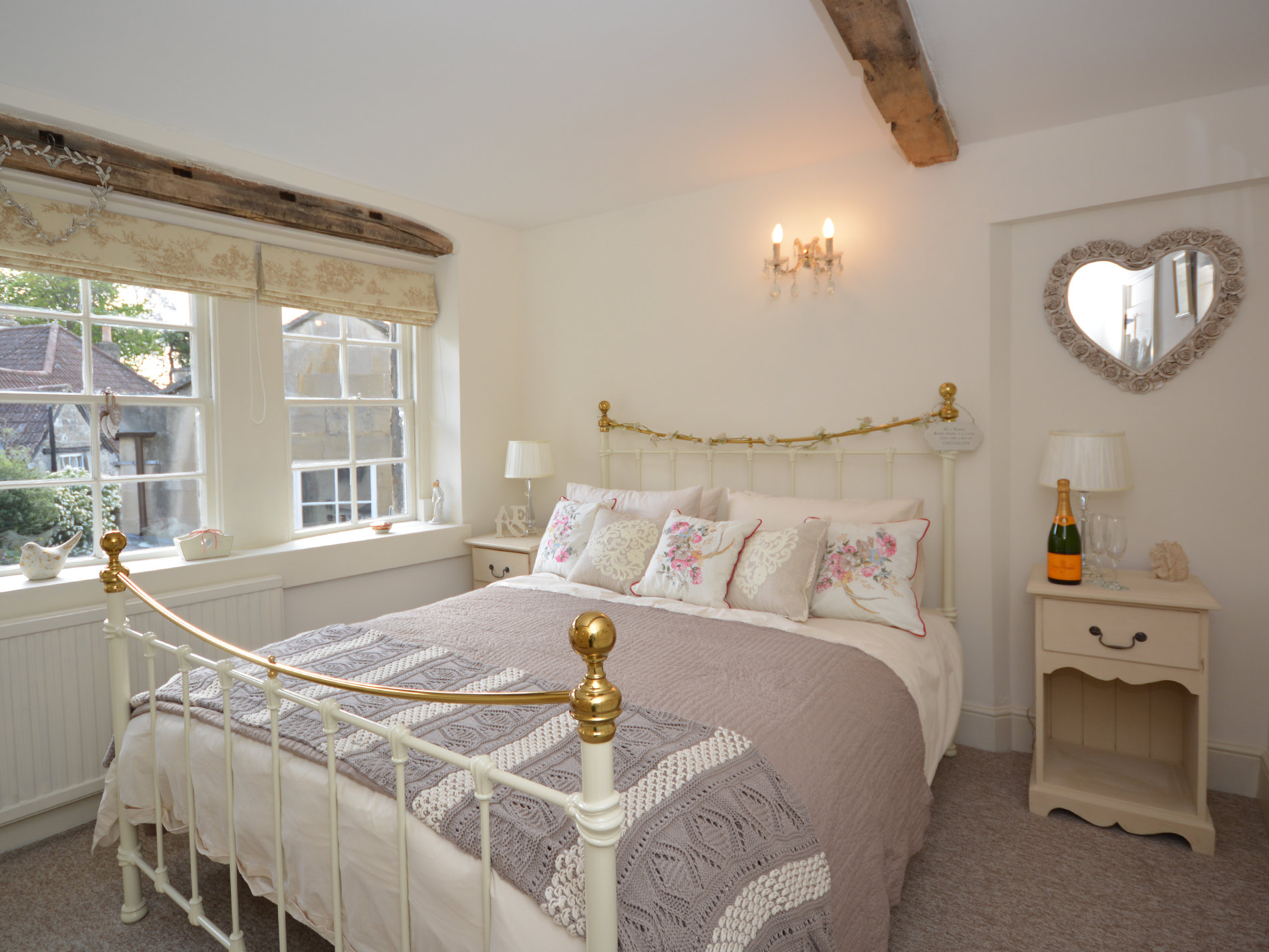 2 Bedroom Cottage in Bradford-on-avon, Dorset and Somerset