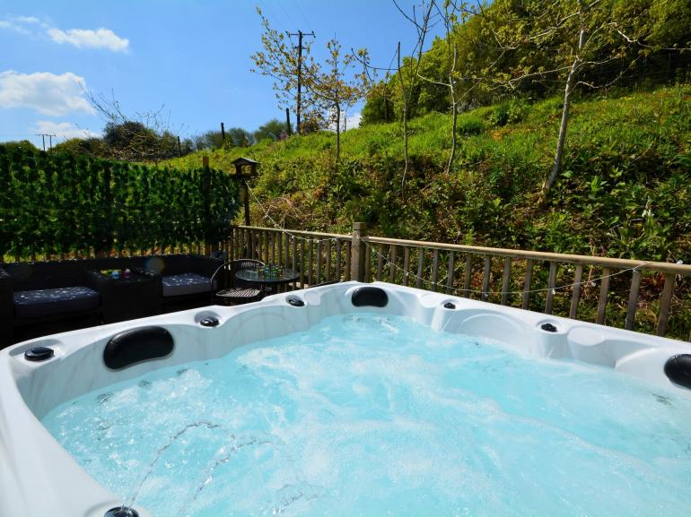 Hot tub with views over the surrounding fields