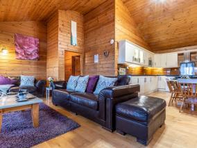 Clovelly Lakes Snow Goose Lodge Sixteen (00360)