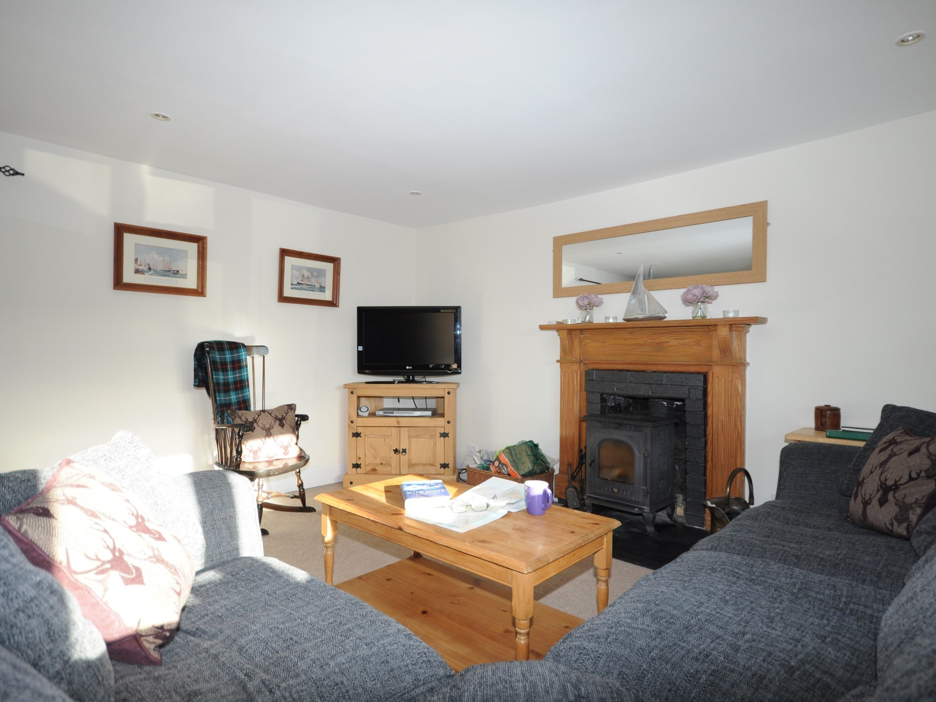 3 Bedroom Cottage in Dingwall, Inverness, Loch Ness & Nairn, Highlands