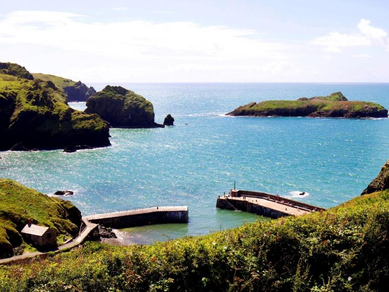 Spectacular Mullion Cove right on your doorstep