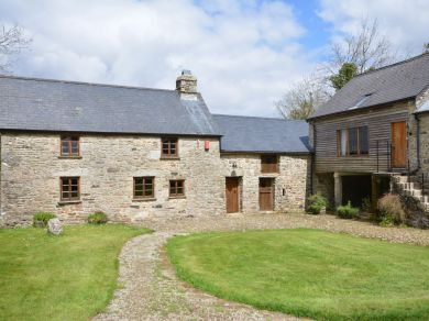 Widecombe Longhouse (36683)