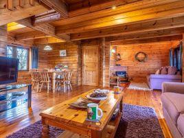 Clovelly Lakes Osprey Lodge Three