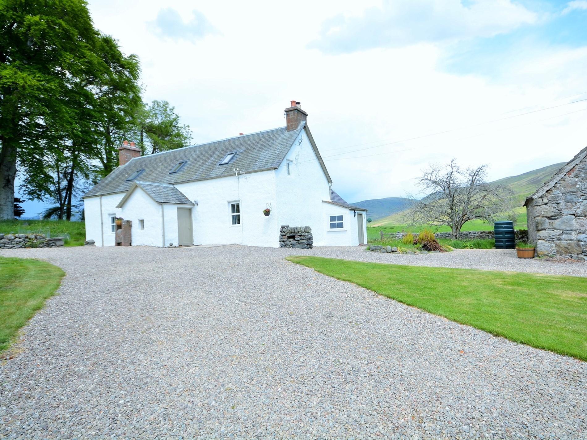 3 Bedroom Cottage in Kirriemuir, Perthshire, Angus & Fife