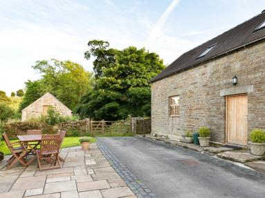 Hill View Barn (40822)