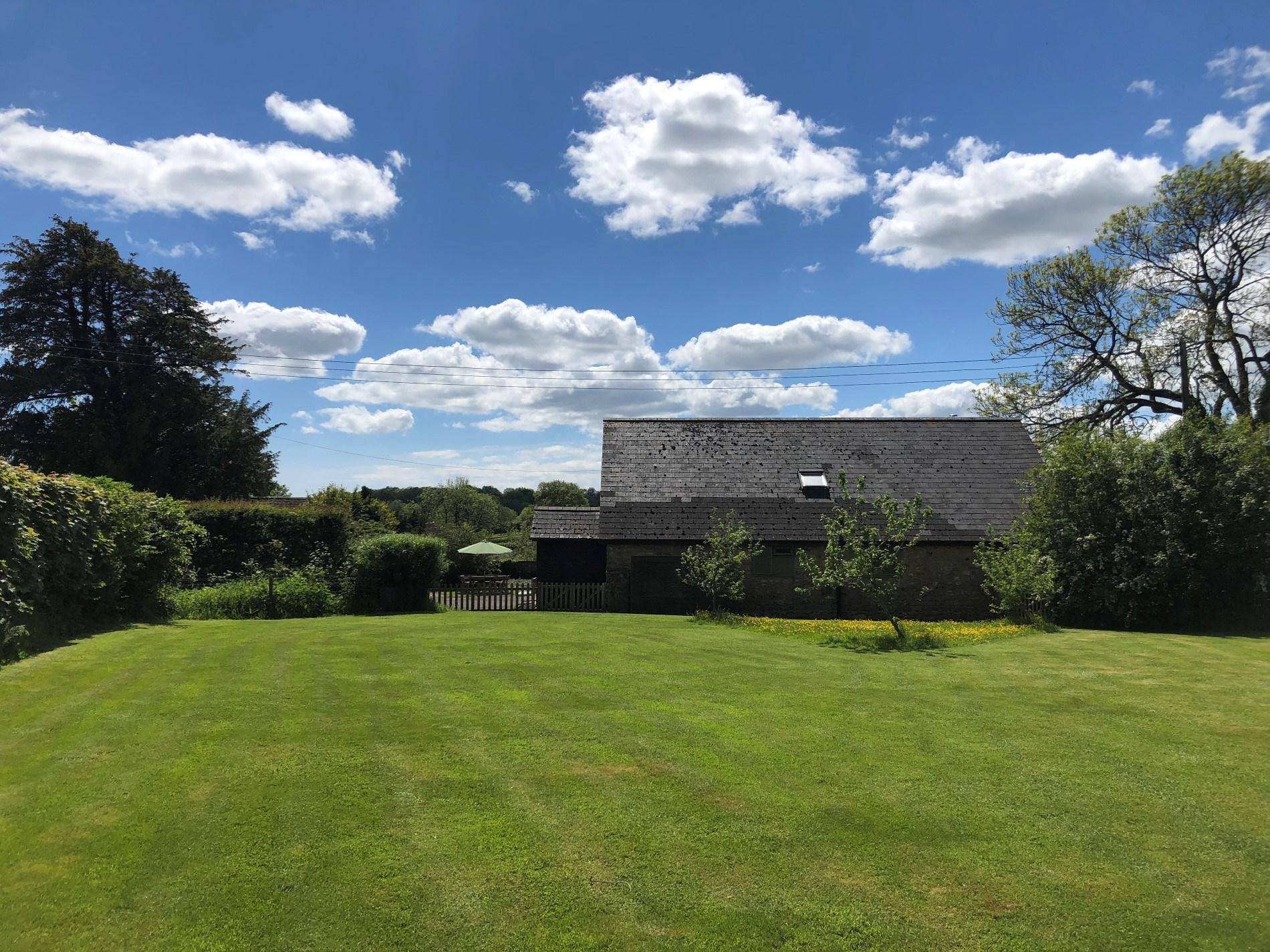 6 Bedroom Barn in Mid and East Devon, Devon