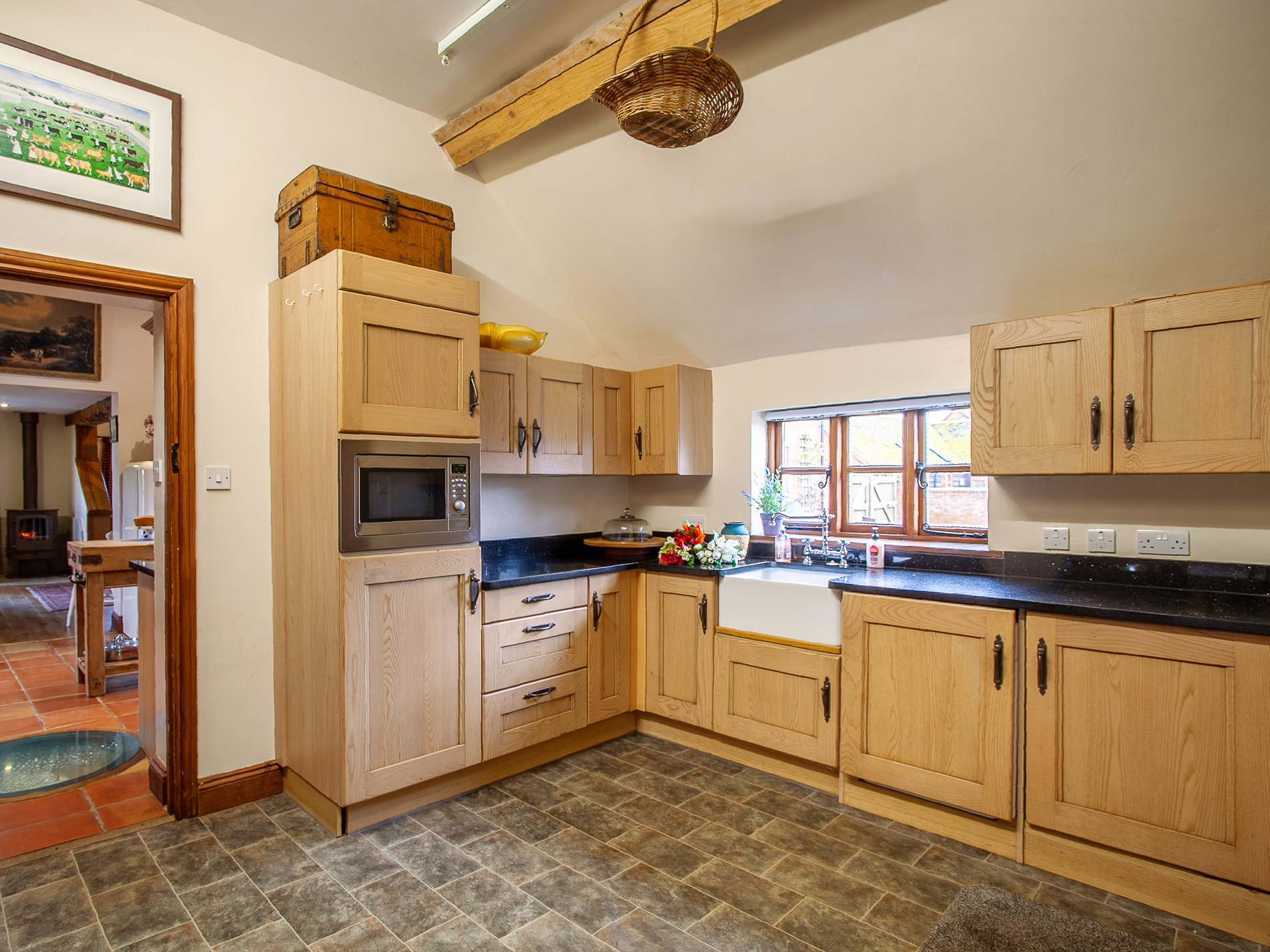 4 Bedroom Cottage in Gloucester, Heart of England