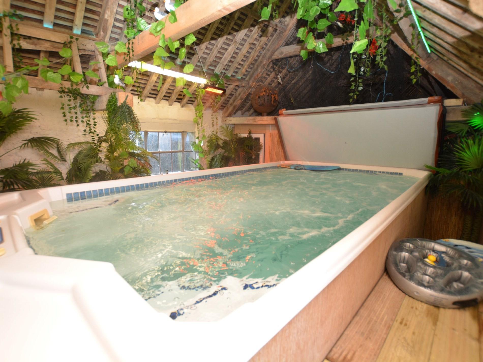 2 Bedroom Cottage in Dorchester, Dorset and Somerset
