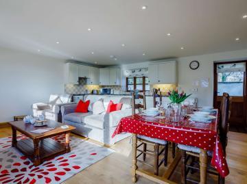 Honey Badger Cottage (41733)