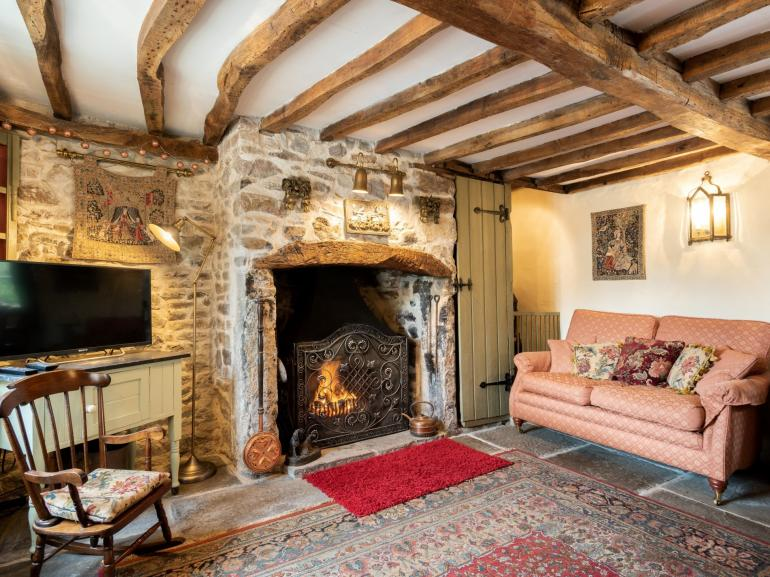 Lovingly restored character cottage