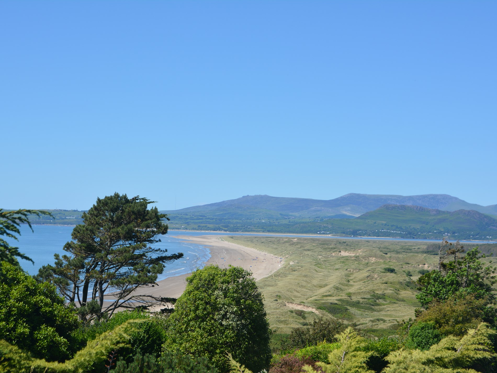 3 Bedroom Cottage in Harlech, Snowdonia, North Wales and Cheshire
