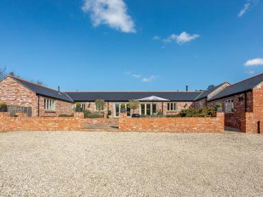 Woodbury Meadow Barn (42204)
