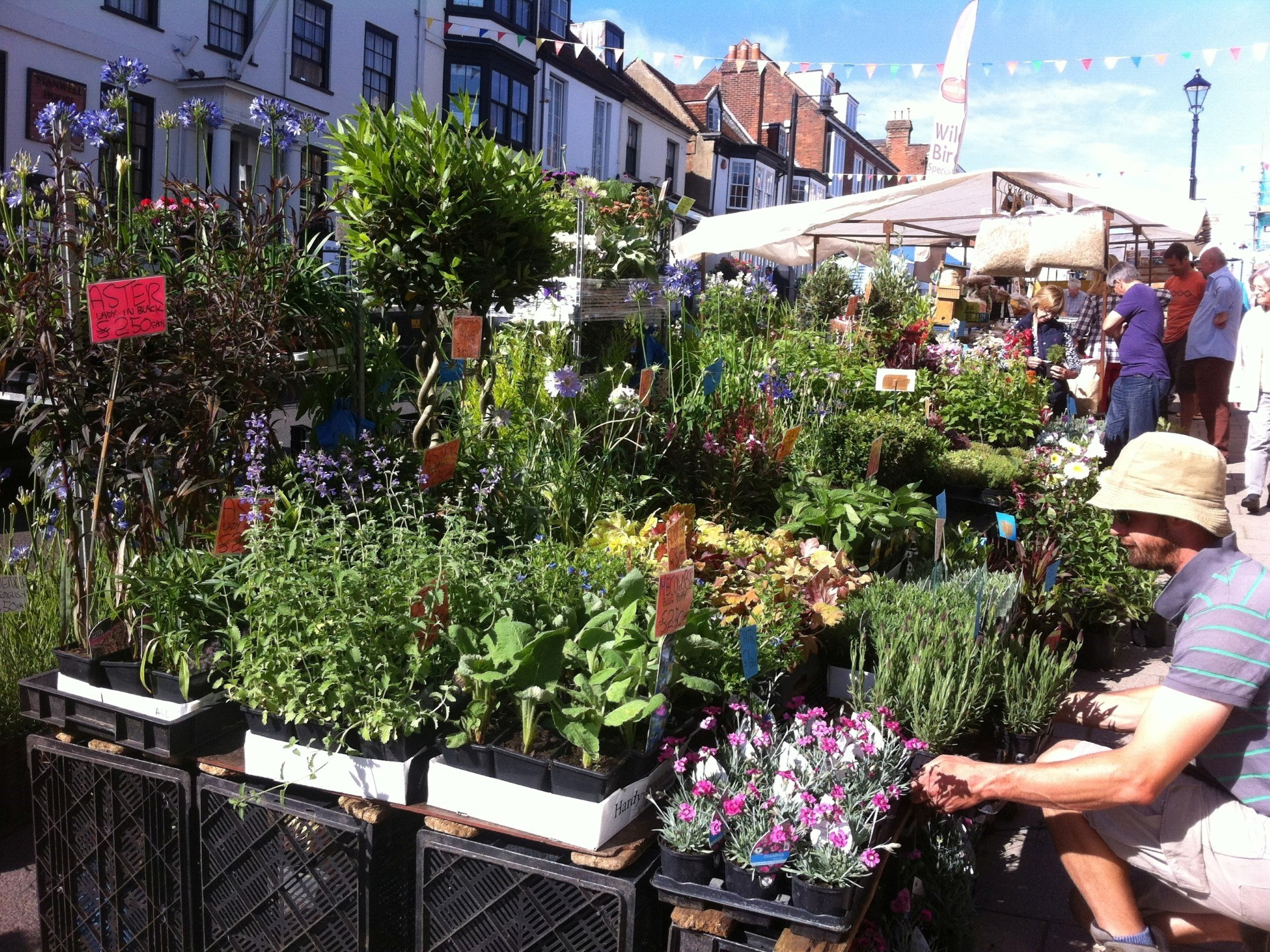 Enjoy a stroll through the Saturday market in the High Street