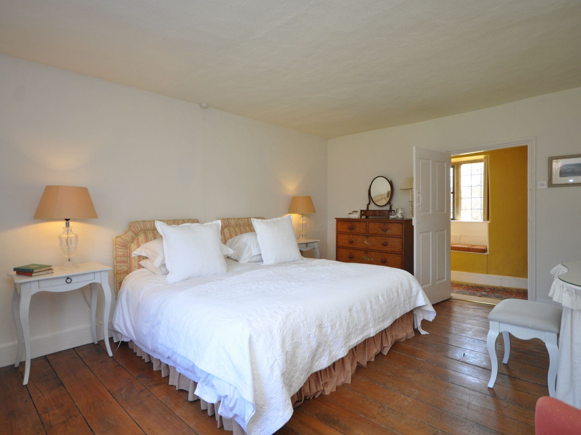 Super-king-size zip-and-link bedroom, main house