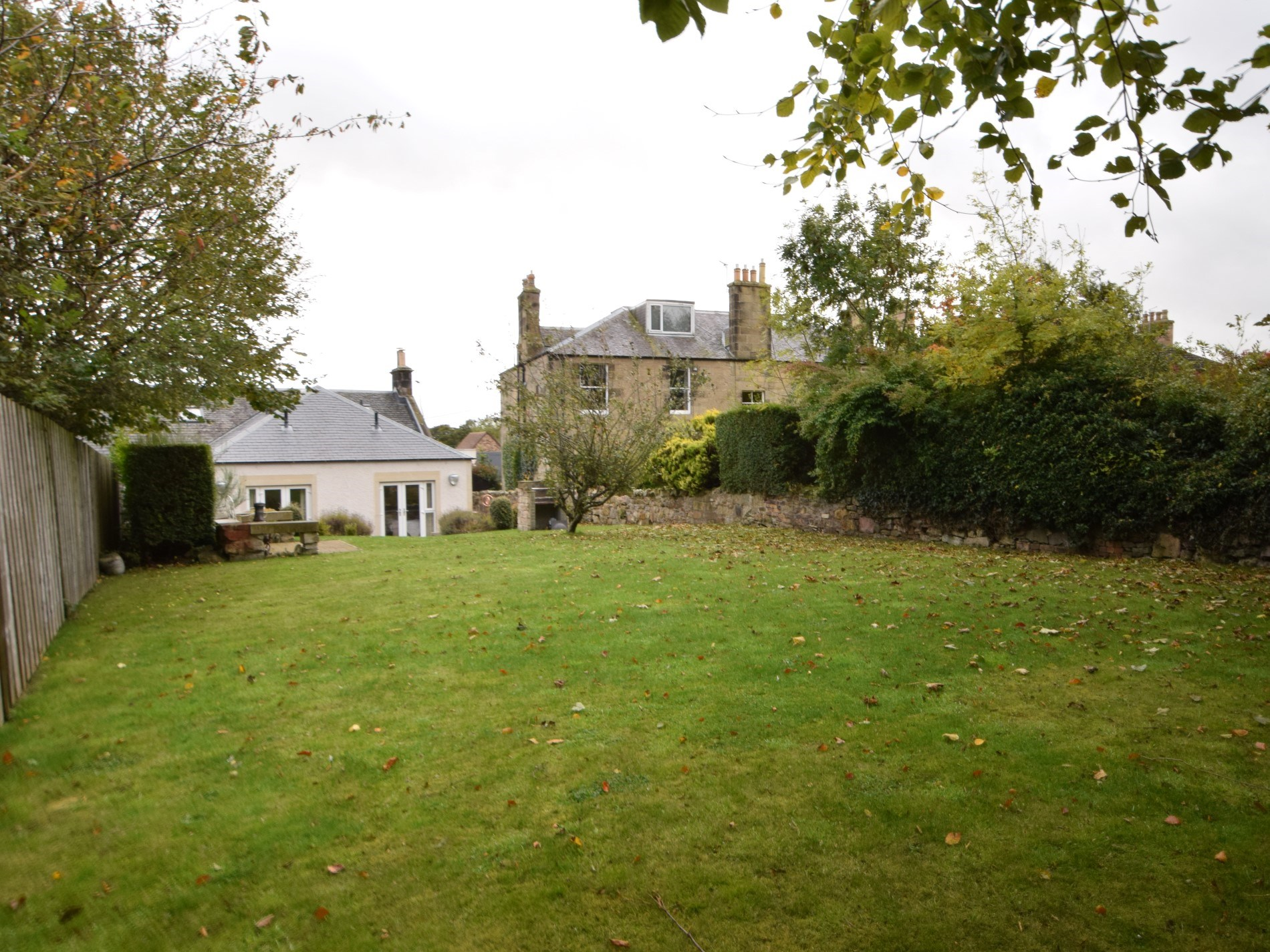 2 Bedroom Cottage in Roslin, Perthshire, Angus & Fife