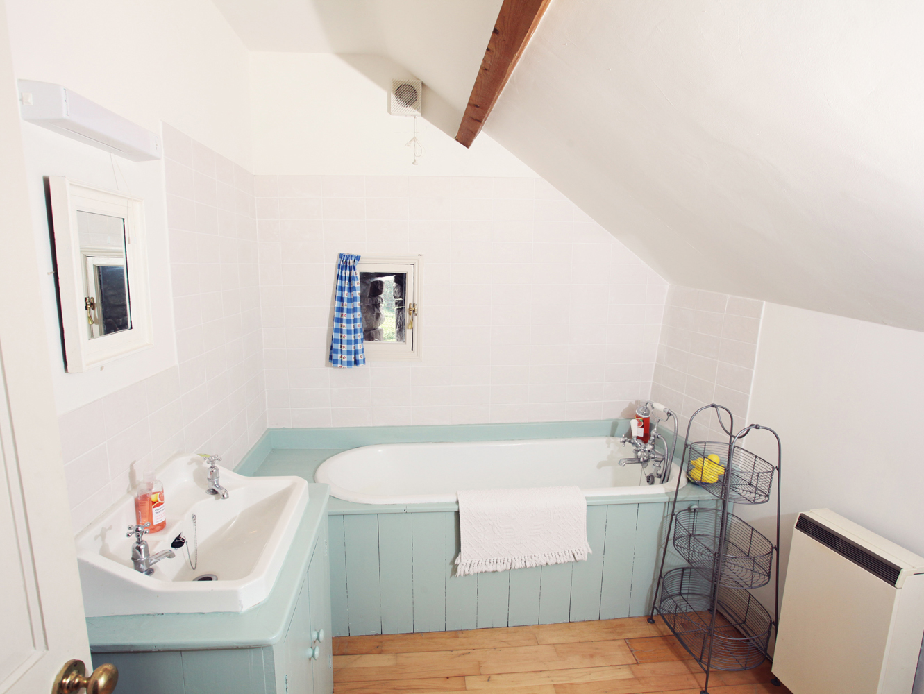2 Bedroom Cottage in Crickhowell, Mid Wales