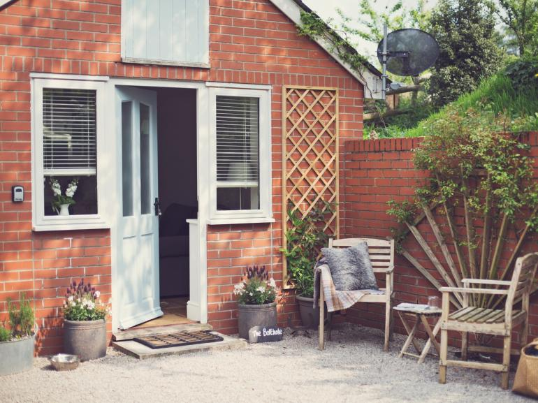 Cute cottage for two