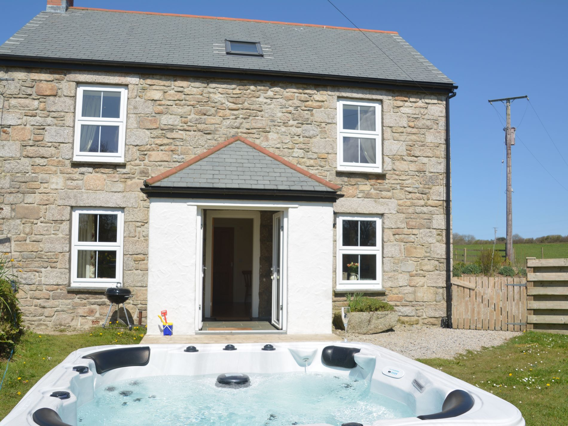 3 Bedroom Cottage in Camborne, Cornwall