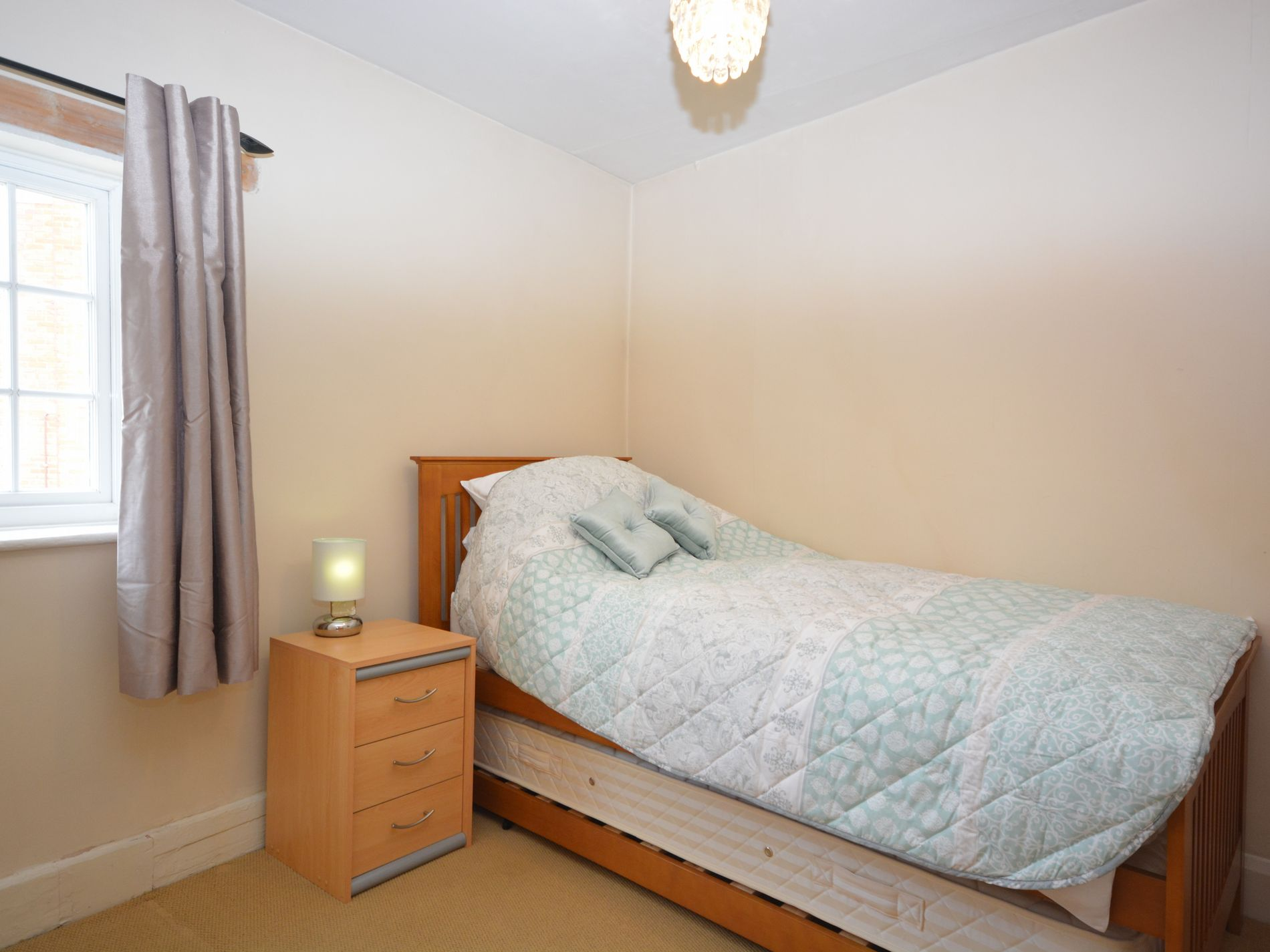 Single room with pull out bed