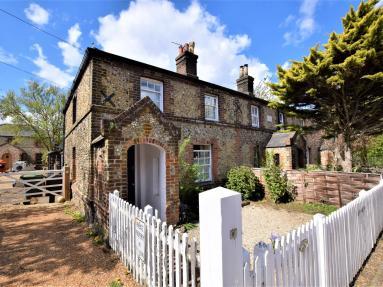 1 Station Cottages (43278)