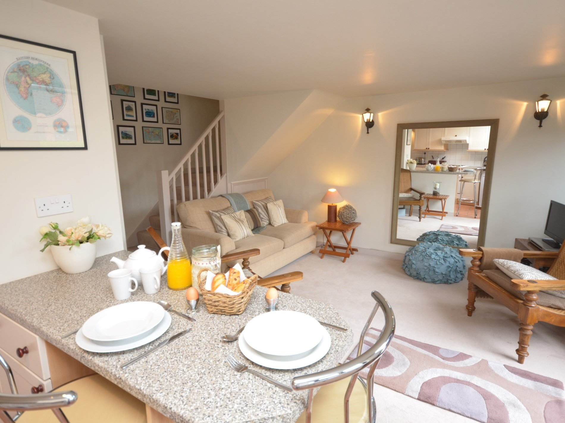 Charming open plan living area in this cosy cottage
