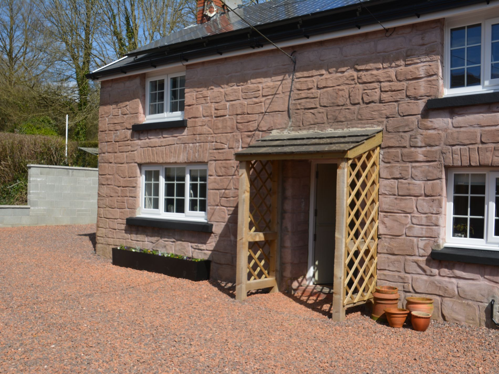 1 Bedroom Cottage in Kidwelly, Mid Wales