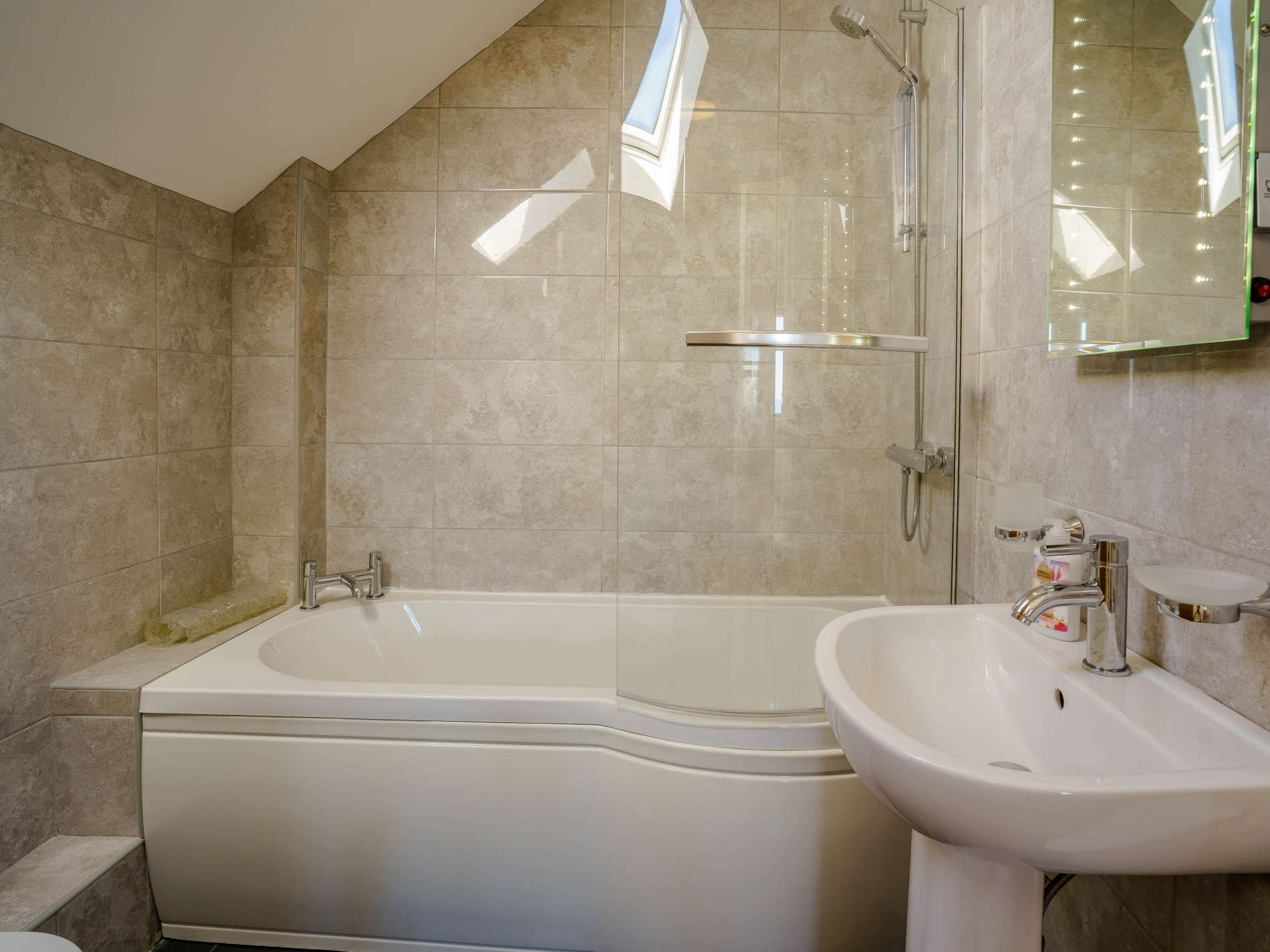 3 Bedroom Cottage in Cardigan, Mid Wales